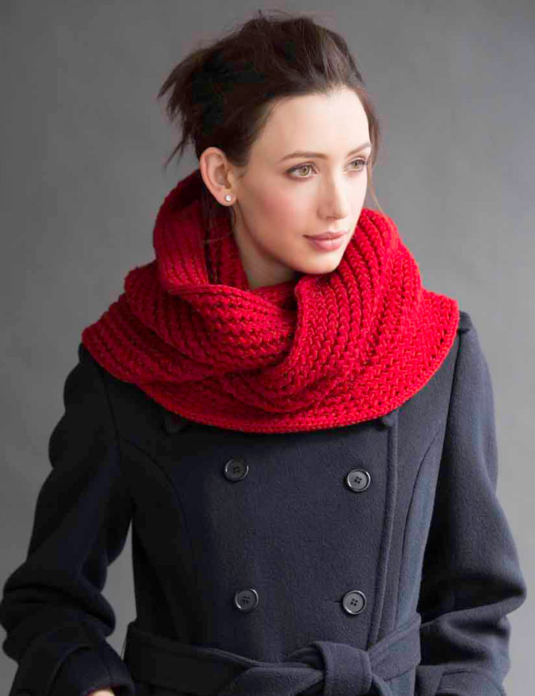 Oversized Cowl knitting pattern by Holli Yeoh | Vogue Knitting Early Fall 2015